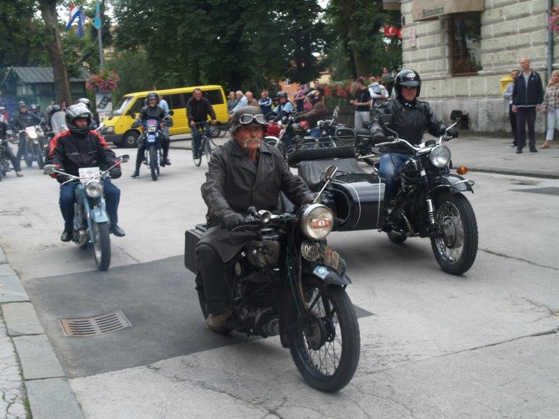 najstariji-motor-800x600